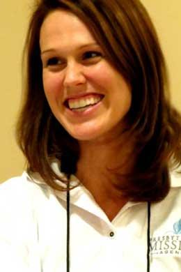 Rev. Sara Hayden headshot