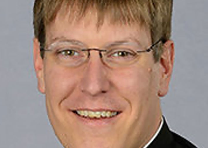 Father Brian Gross headshot